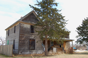Abandoned home in Pfiefer, Kansas