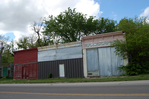 muscotah men Muscotah - located about 26 miles west of atchison, the first town site was  that  fall and the first general store was opened by a man named armstrong soon.