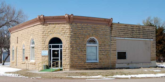 Bank building in Alexander.
