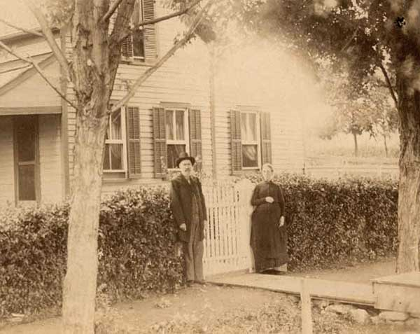 James and Elizabeth Abbott at their home in De Soto, Kansas
