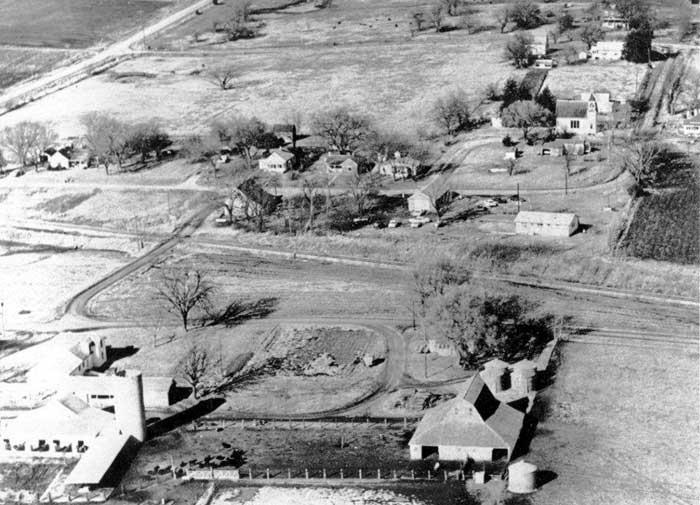 Vintage aerial view of Farmington, Kansas.