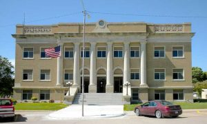 Cheyenne County Courthouse in St. Francis, Kansas courtesy Wikipedia.