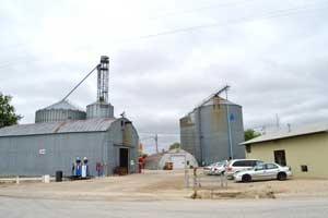 The Co-op elevators continue to operate in Vliets, Kansas, Kathy Weiser-Alexander.