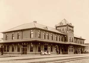 Fred Harvey house and Santa Fe Station, Chanute, Kansas
