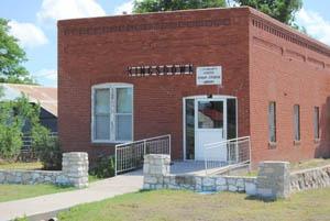 Kingsdown, Kansas Library & Community Center.