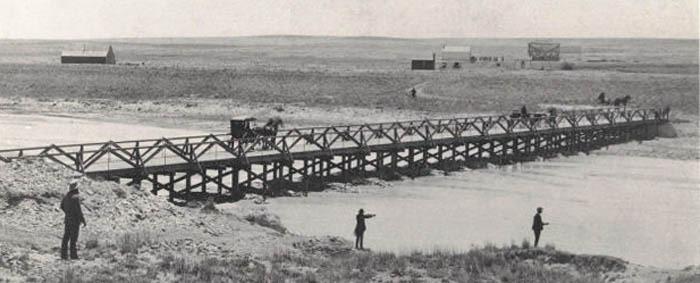 Chetolah Bridge looking south at the town, 1888.